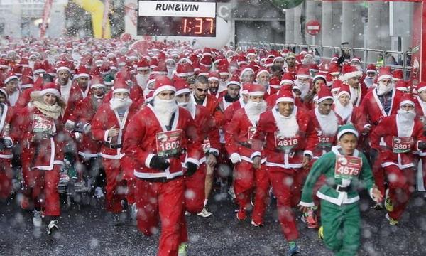 В Мадриде прошел рекордный забег Санта-Клаусов
