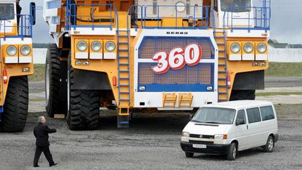 БелАЗ-75710 - грузовик-монстр из Беларуси