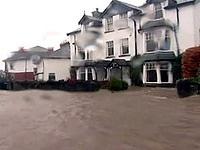 Наводнение в северо-западной Англии смыло 6 мостов
