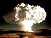 Франция испытывала ядерное оружие на собственных солдатах