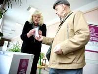 В Латвии сократили время голосования на выборах