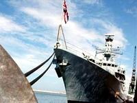 Королевский флот вывезет британцев из Европы