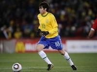 Бразилия обыграла КНДР в матче ЧМ-2010