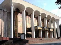 В новый парламент Молдовы пройдут четыре политические партии - соцопрос