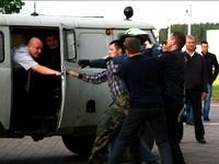 В ходе акций молчаливого протеста задержано более 320 человек