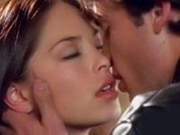 В Германии могут запретить приветственные поцелуи на работе
