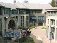 Неизвестный открыл стрельбу в калифорнийском университете