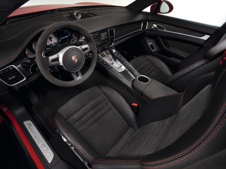 Porsche Panamera GTS прибыл в Лос-Анджелес