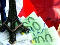 """Аналитик: Экономика Франции все сильнее """"выбивается из сил"""""""