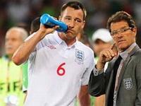 Сборная Англии по футболу осталась без главного тренера и капитана