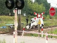 В Молдавии поезд протаранил свадебный микроавтобус