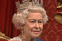 Елизавета II начинает слагать с себя полномочия