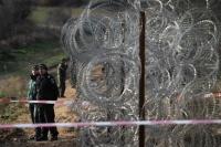 Болгария отгородится от Турции трехметровой стеной с колючей проволокой