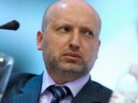 Турчинов назвал фарсом референдумы в Донецкой и Луганской областях