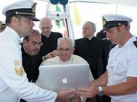 Папа Римский откажется от страницы в Facebook из-за оскорбительных комментариев