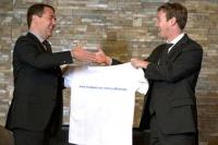 Медведев посоветовал чиновникам «включать мозги»