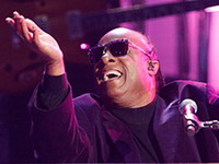 Трек Стиви Уандера Another Star станет главной песней ЧМ-2014