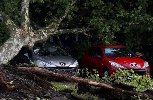 Буря в Германии: жертвами непогоды стали шесть человек