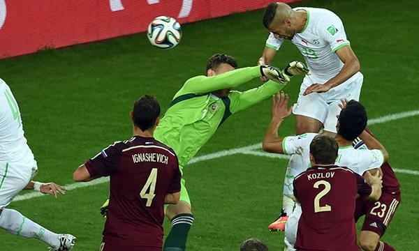 Россия не смогла победить Алжир и покидает ЧМ-2014 по футболу