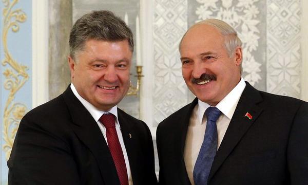 Лукашенко поздравил президента Украины Петра Порошенко с днем рождения