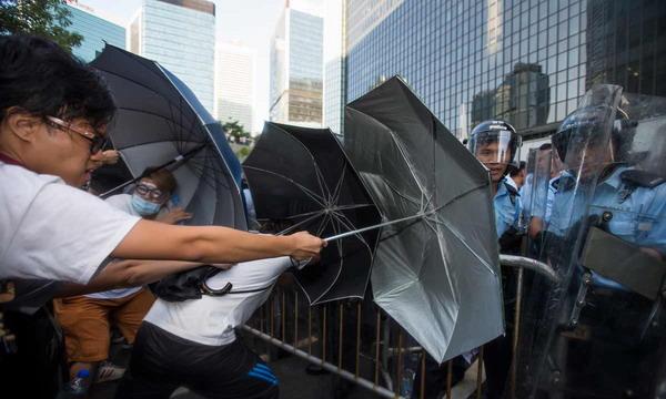 В Гонконге произошли стычки между студентами и полицией