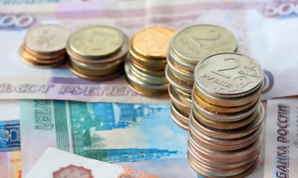 Курс рубля обновляет абсолютные минимумы, нефть Brent на минимуме с 2010 года