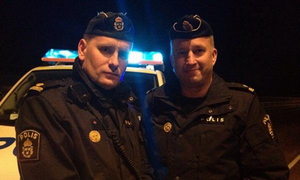 Шведские полицейские помогли школьнику сделать уроки
