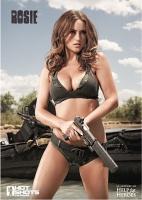 Календарь Hot Shots: девушки взяли в руки оружие ради благотворительности