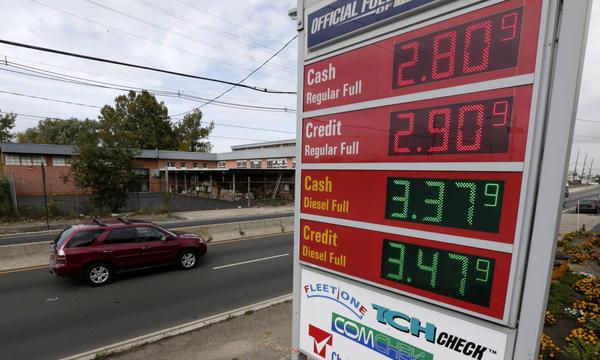 Из-за падения цен на нефть бензин в США стал дешевле молока