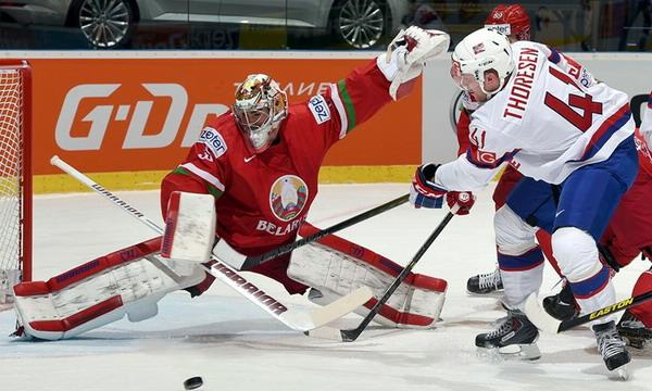 Беларусь выиграла у Норвегии и вышла в плей-офф ЧМ-2015 по хоккею