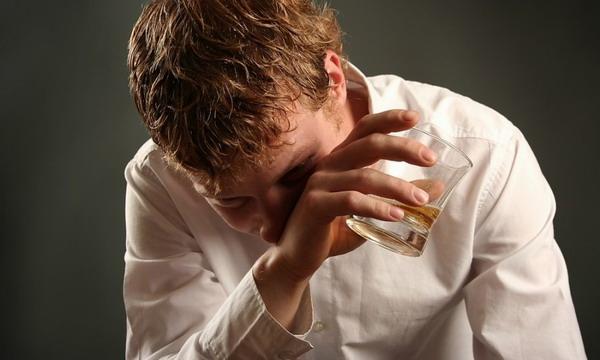 Ученые нашли ген, заставляющий алкоголиков уходить в запой
