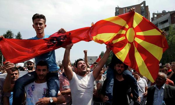 В Македонии демонстранты требуют отставки правительства
