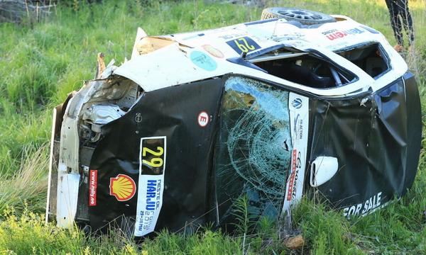 В Эстонии на ралли автомобиль врезался в зрителей: 3 погибших