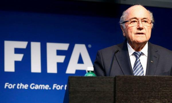 Йозеф Блаттер уходит с поста президента ФИФА