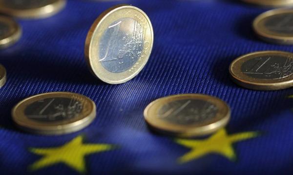 Уверенность инвесторов еврозоны упала до 4-месячного минимума