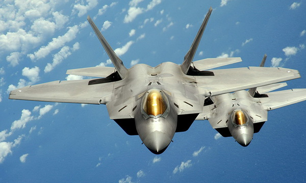 В Литву переброшены американские истребители F-22 Raptor