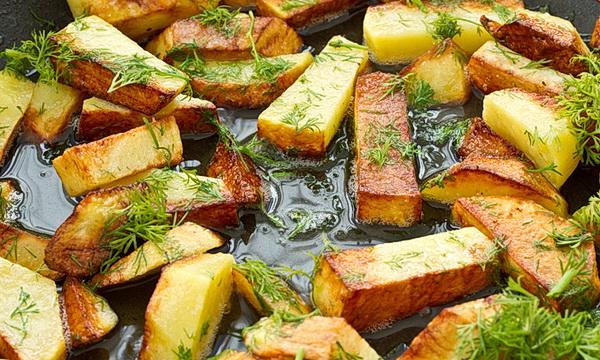 Ученые назвали пережаренную картошку причиной рака