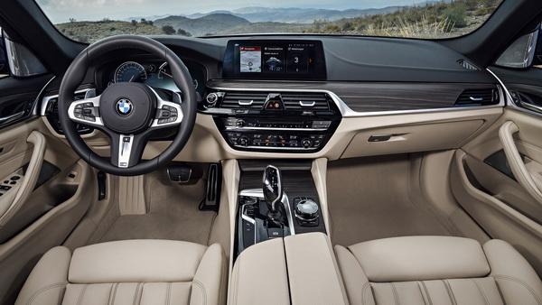 Универсал BMW 5-Series Touring показали официально