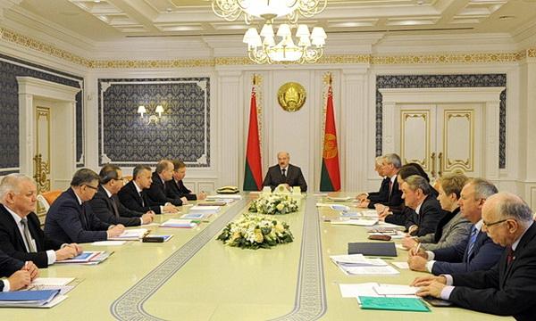 Лукашенко хочет роста экономики при сохранении старой модели
