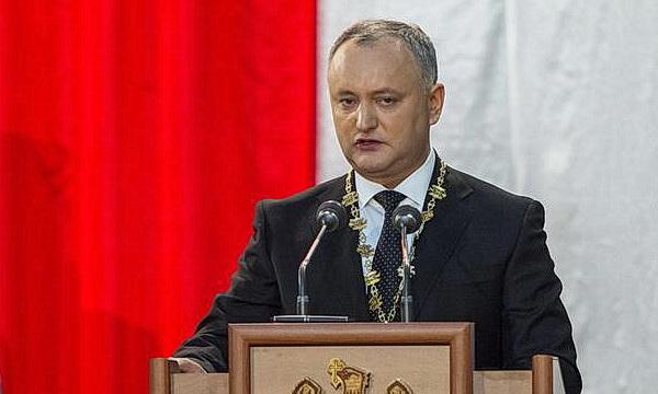 Президент Молдовы хочет поменять Конституцию «под себя»
