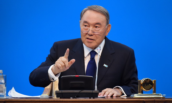 Назарбаев подписал указ о переходе Казахстана на латиницу