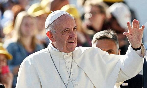 Папа римский призвал к борьбе с фейковыми новостями