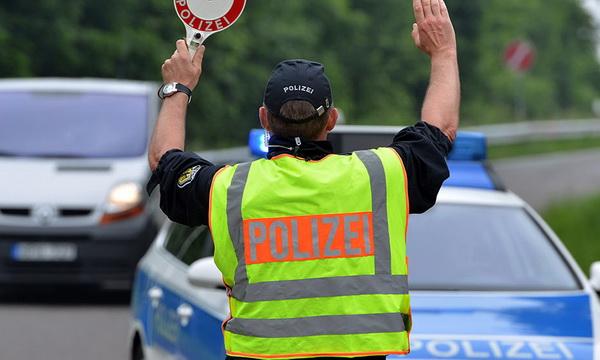 В Берлине полиция остановила автобус c  неисправными тормозами с детьми из России