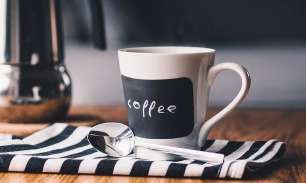 Почему болит голова, когда мы прекращаем пить кофе