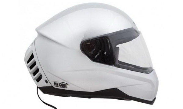 Создан первый мотоциклетный шлем с кондиционером