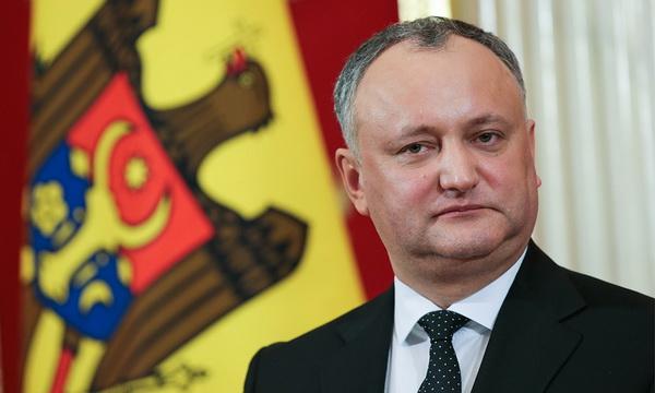 Президент Молдовы временно отстранён от должности