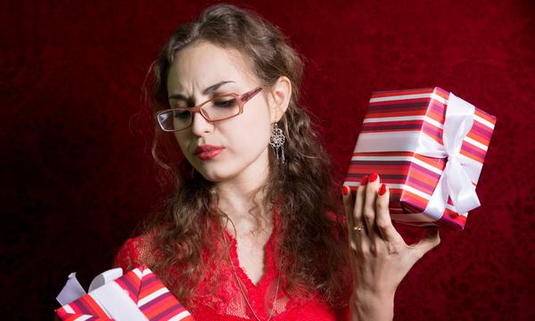 Подарки, которые нельзя дарить на 8 марта