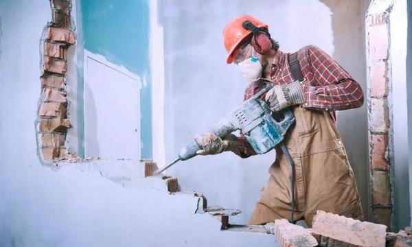 Демонтажные работы: что входит в услугу?